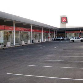 Strip Center Peñaleon
